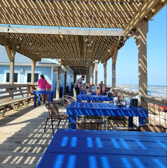 Seahorse Bar and Grill Deck